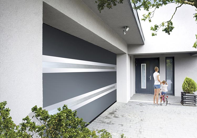 les portes de garage mille fen tres. Black Bedroom Furniture Sets. Home Design Ideas